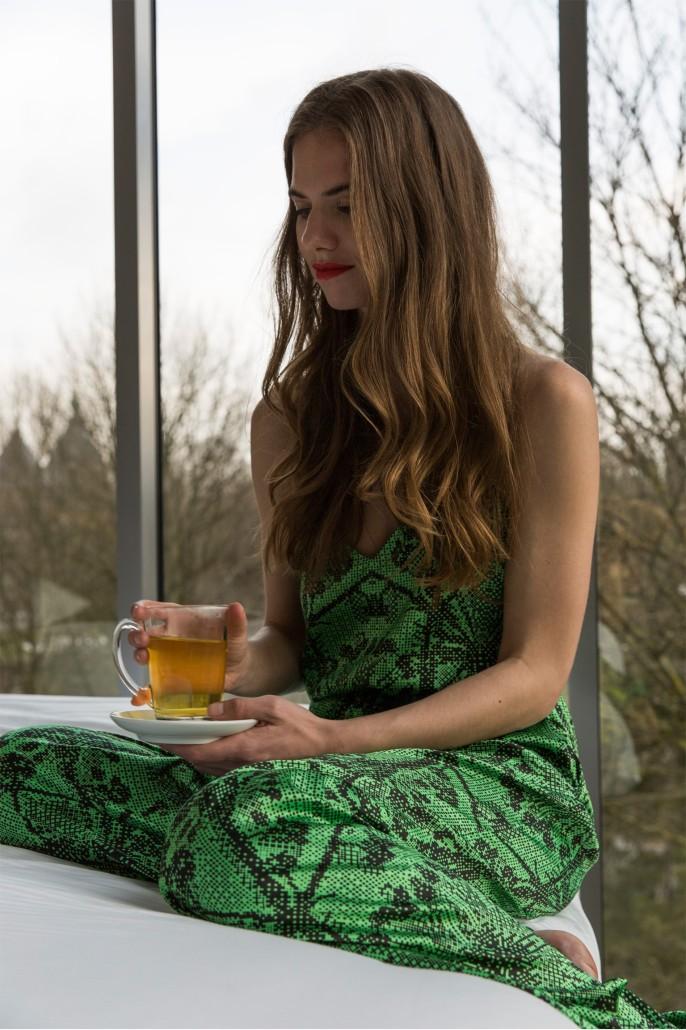 Outfit Lola Lou thee drinken